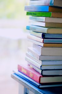 Bücherregal gestalten