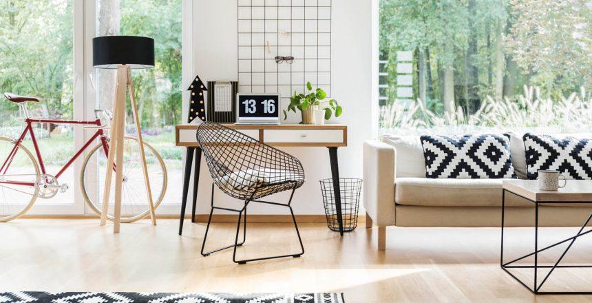 diamond-chair-at-wooden-desk-PT9HK32.jpg
